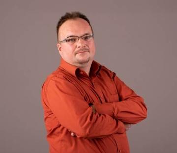 Burián Zoltán biztonságtechnikai szakértő
